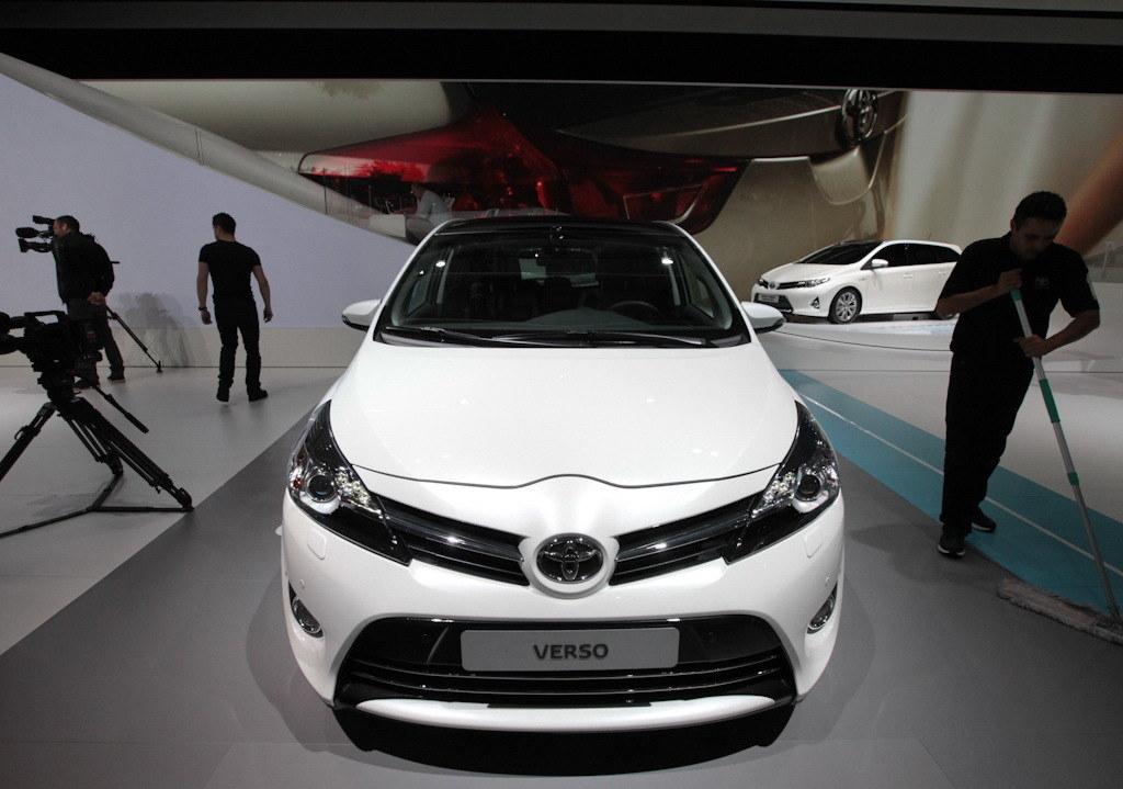 2012巴黎车展 丰田发布新款逸致海外版